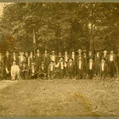 Photograph of Confederate veterans reunion at Shiloh