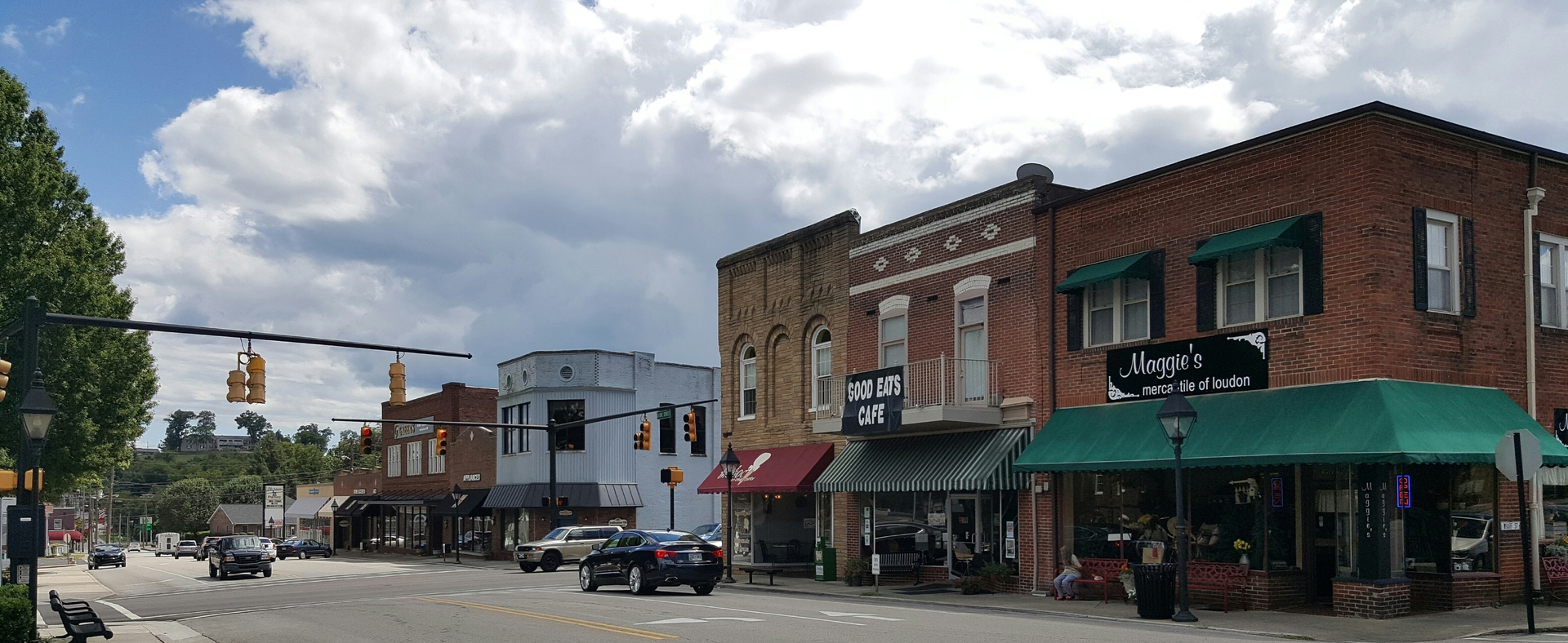 downtown Loudon