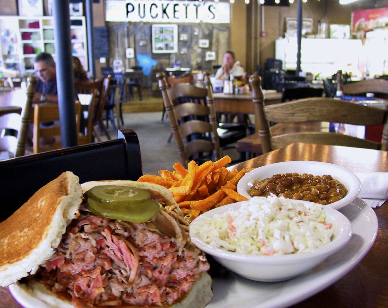Puckett's Restaurant and Grocery