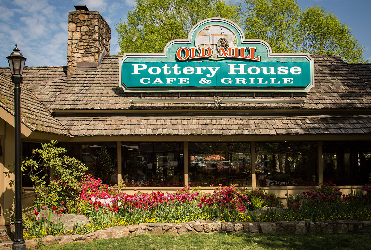 The Old Mill Pottery House Cafe & Grille in Pigeon Forge, TN ...