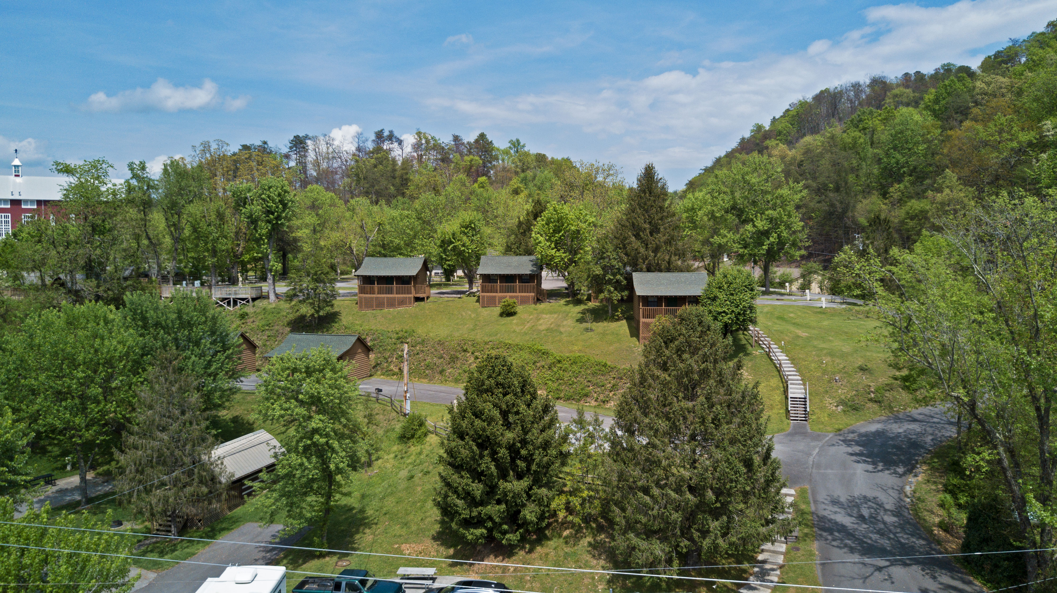 cabins pet access cabin rent pool and cheap secluded smoky cbin rentals friendly discount pigeon in cab with forge for mountains hymoon under gatlinburg tn military