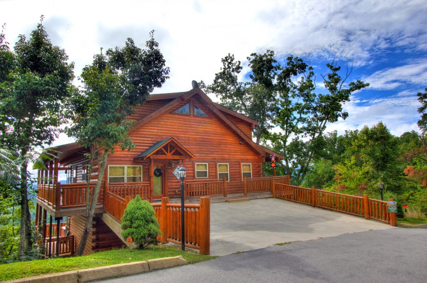 auntie rentals s rental majestic in exterior pigeon forge cabins belham belhams explore tn cabin local