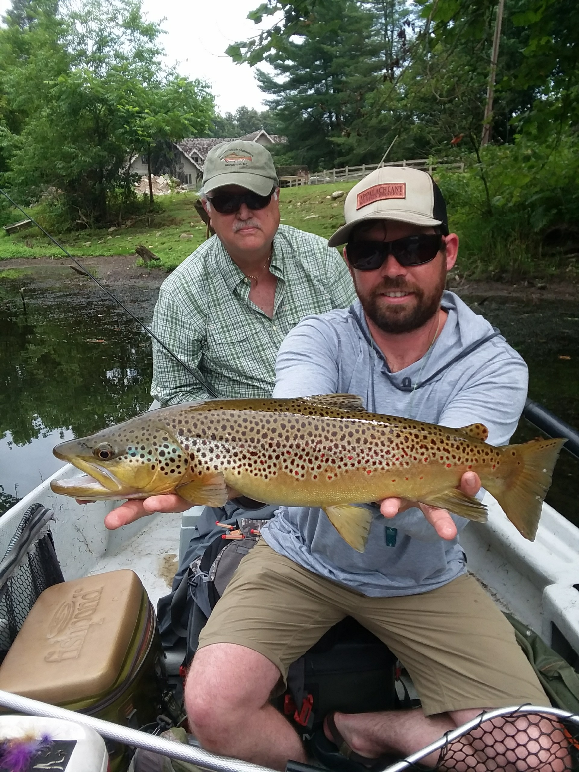 Trophy Water Guide Service in Hampton, TN - Tennessee Vacation