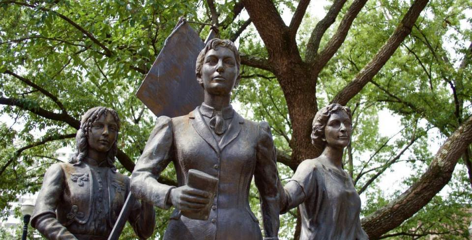 Market Square Women's Suffrage Monument