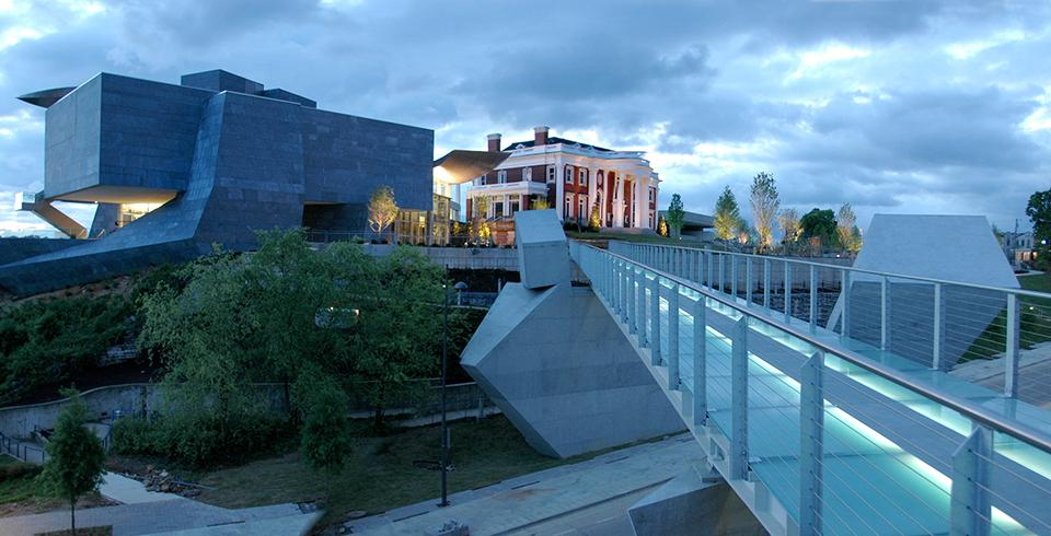 The glass bridge leading to the Hunter Museum of American Art in downtown Chattanooga.
