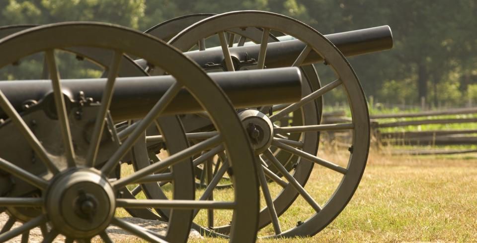 Cannons in a field at Stones River National Battlefield in Murfreesboro TN