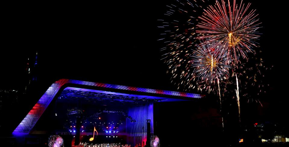 Fireworks bursting at Let Freedom Sing July 4th in Music City in Nashville