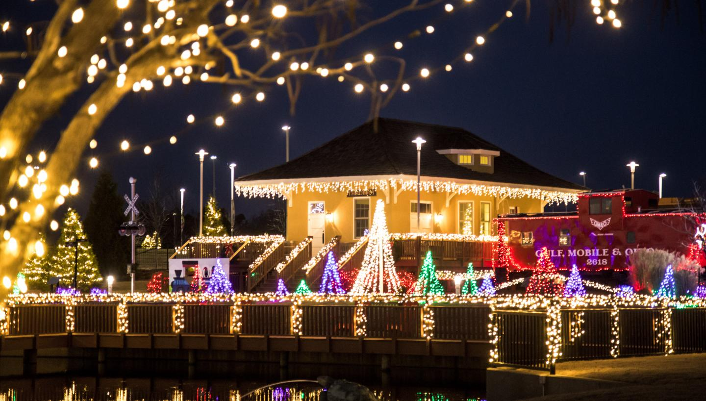 Memphis Christmas Lights 2020 Experience 12 Days of a Tennessee Christmas   Tennessee Vacation