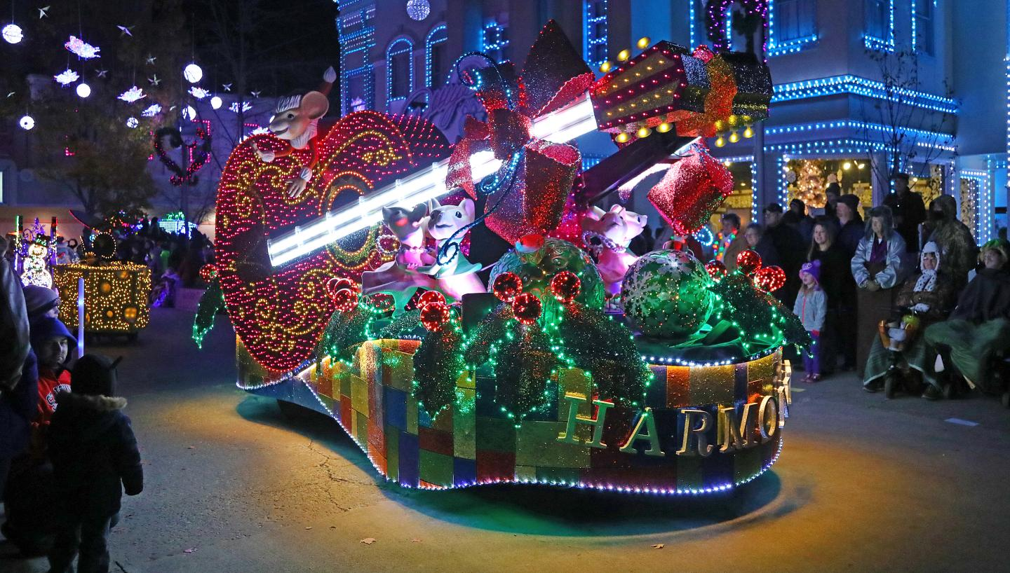 13 Ways to Experience 12 Days of a Tennessee Christmas