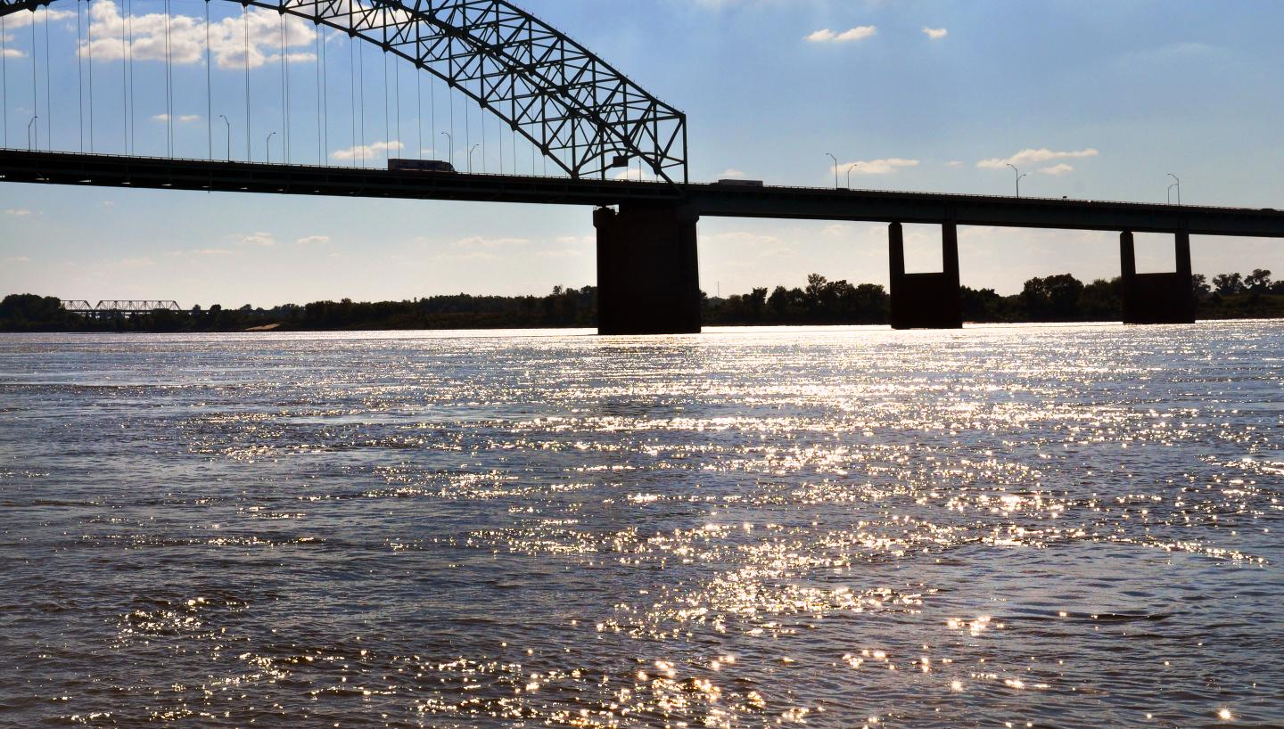 fishing on the mighty mississippi river in memphis