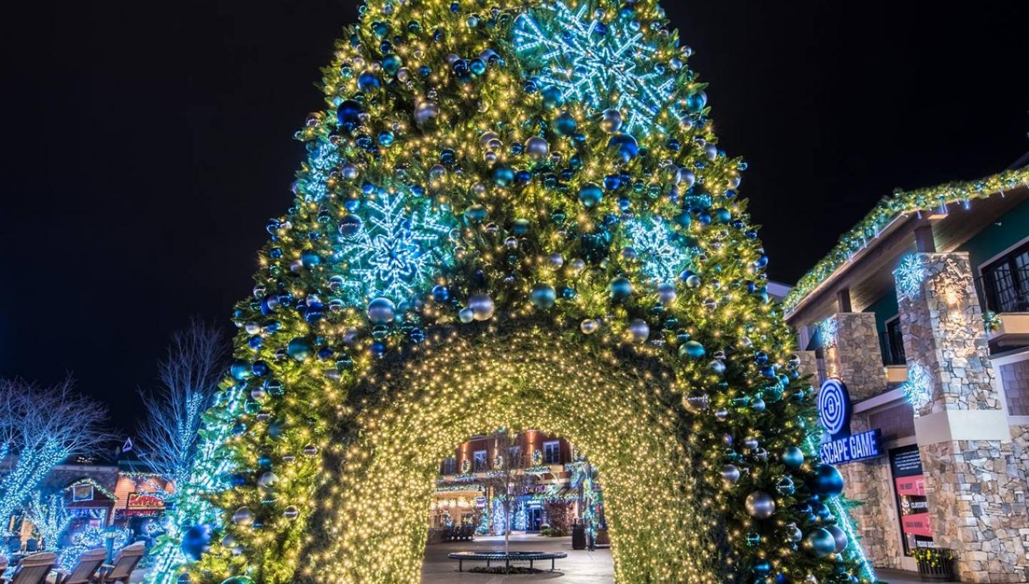 James Island Christmas Lights 2019.Experience 12 Days Of A Tennessee Christmas Tennessee Vacation