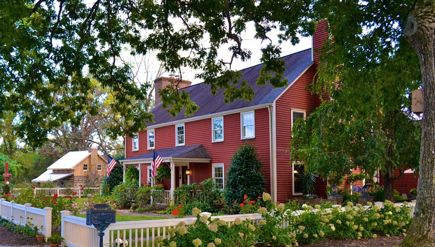 Curl Up in These Cozy Inns and B&B's in Middle Tennessee
