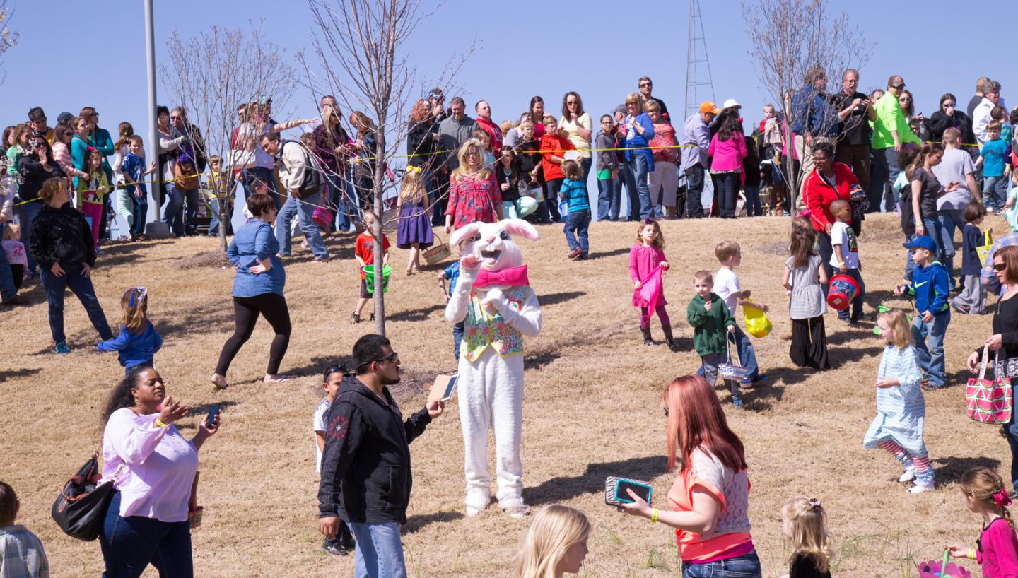 Dino Egg Hunt at Discovery Park of America