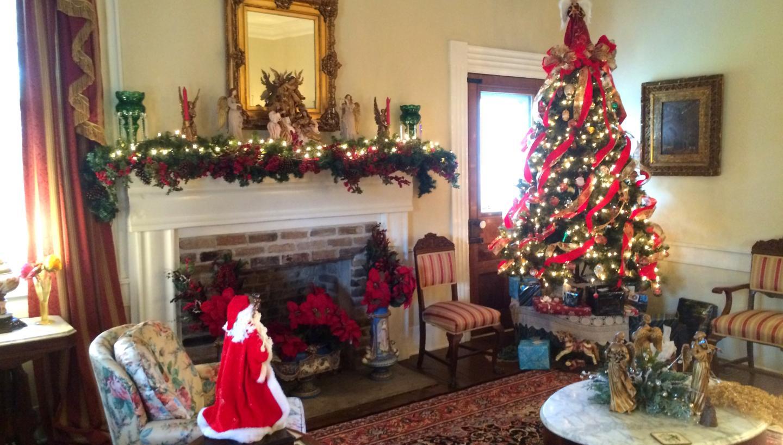 Christmas at Lairdland Farm House