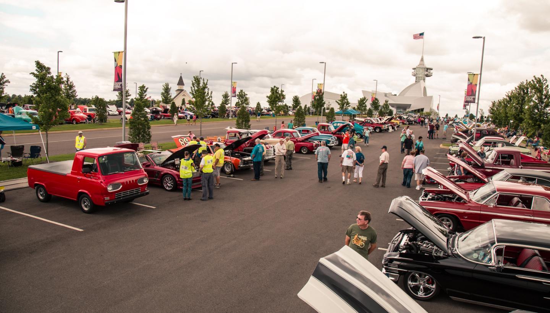 Discovery Park of America's Car Show