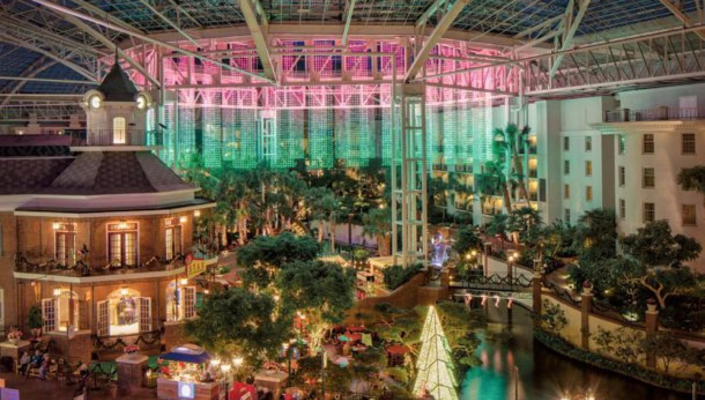 Gaylord Resort Christmas 2020 Gaylord Opryland's A Country Christmas in Nashville, TN