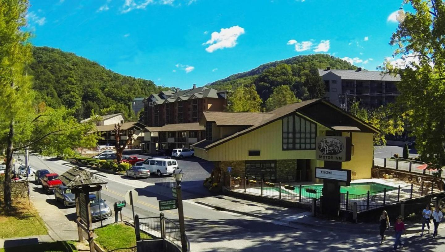 mountain house motor inn in gatlinburg tn tennessee