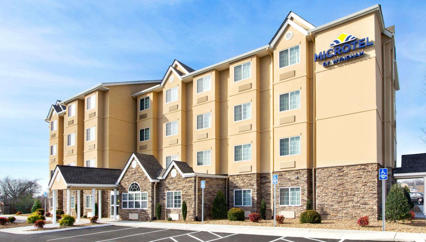 microtel inn suites by wyndham in shelbyville tn. Black Bedroom Furniture Sets. Home Design Ideas