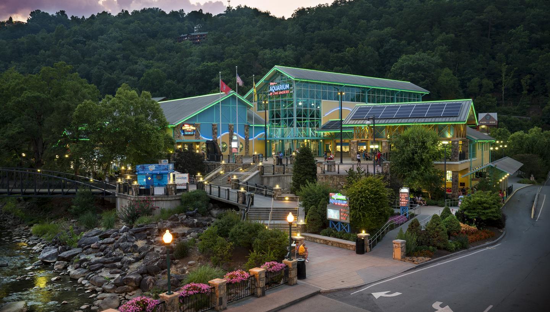 Ripley's Aquarium of the Smokies in Gatlinburg, TN ...