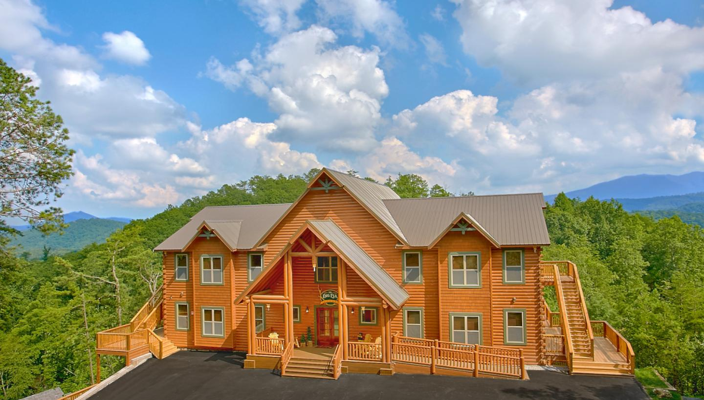 Hearthside cabin rentals in pigeon forge tn tennessee for Secluded cabin rentals near nashville tn