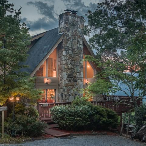 Pillows & Pancakes: Where to Sleep and Eat in the Smokies