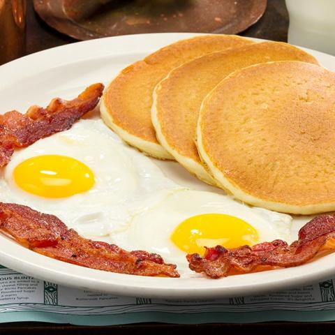 Where to Get Mouthwatering Stacks of Smoky Mountain Pancakes