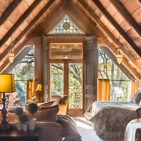 Look no further than these Tennessee accommodations with comfy beds, hot meals and gorgeous scenery that will give you an appreciation for the colder months.