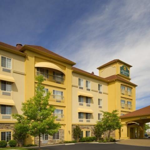 LaQuita Inn & Suites Smyrna