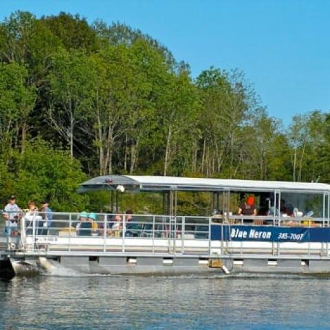 22-passenger boat with both sun & shade