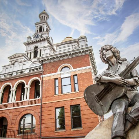 Downtown Sevierville is home to shops, restaurants, and the Dolly Parton statue.