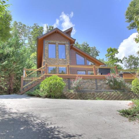 We are your source for Gatlinburg Cabin Rentals!