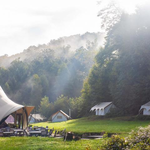 Under Canvas Great Smoky Mountains - TN Glamping