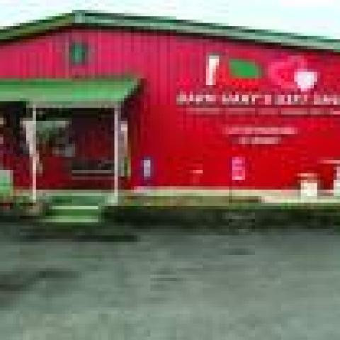 Barn Harts Gift Shop