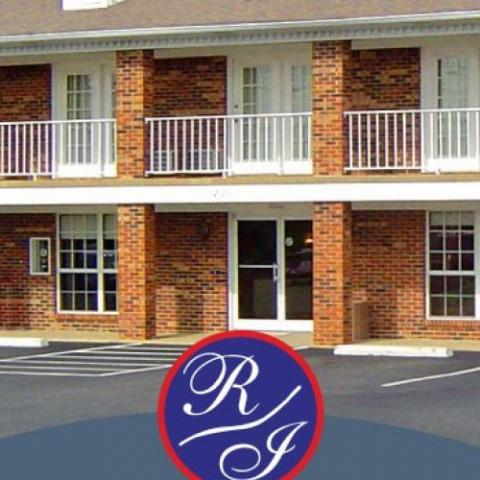 A Richland Inn - Lawrenceburg