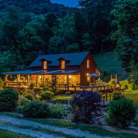 Butterfly Hollow Bed and Breakfast