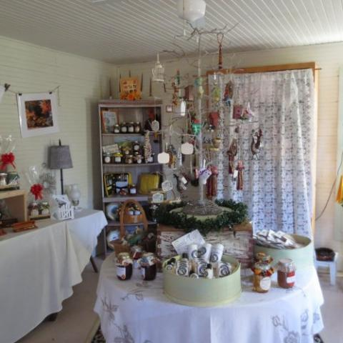 Chestnut Hill Ranch Cottage Gifts