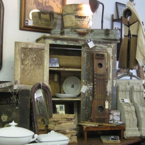 Roses & Rustics Antique Shop