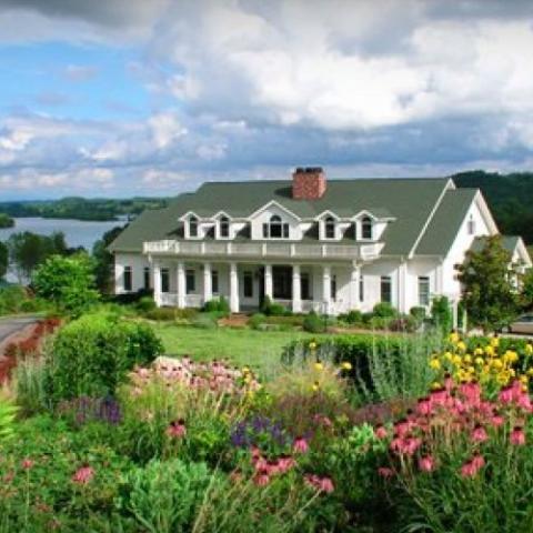 Whitestone Country Inn