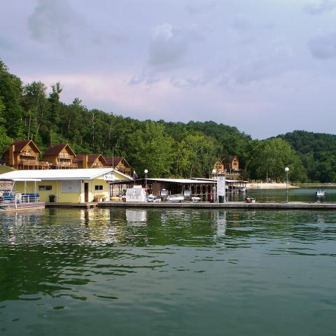 Eagle Cove Resort