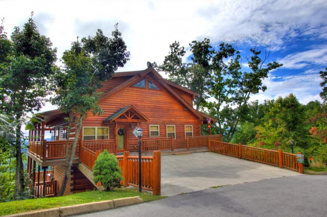 Auntie belham 39 s cabin rentals pigeon forge in pigeon for Cabins for rent in gatlinburg and pigeon forge