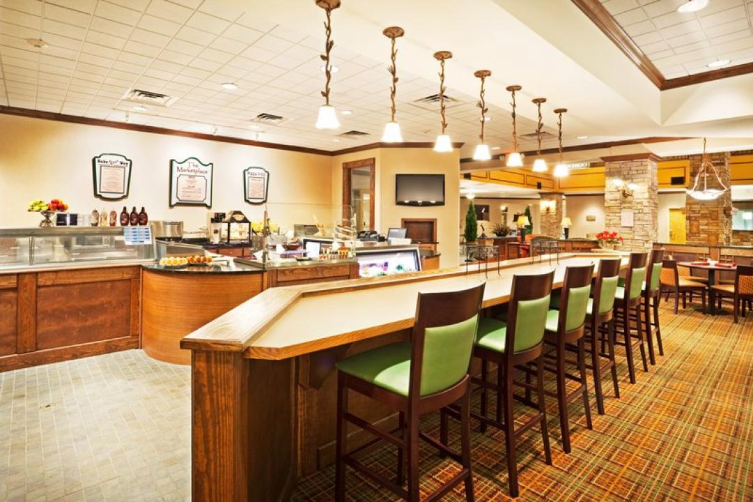 Holiday Inn Pigeon Forge  Deli