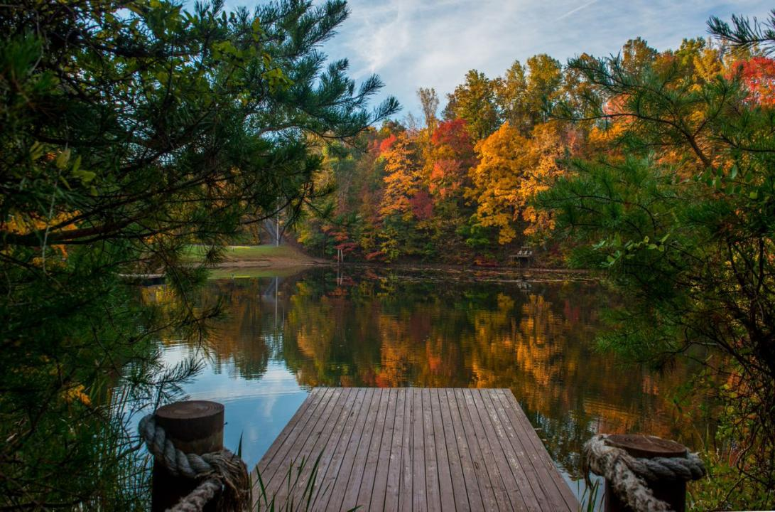 Hidden mountain resort in sevierville tn tennessee vacation for Smoky mountain cabins with fishing ponds