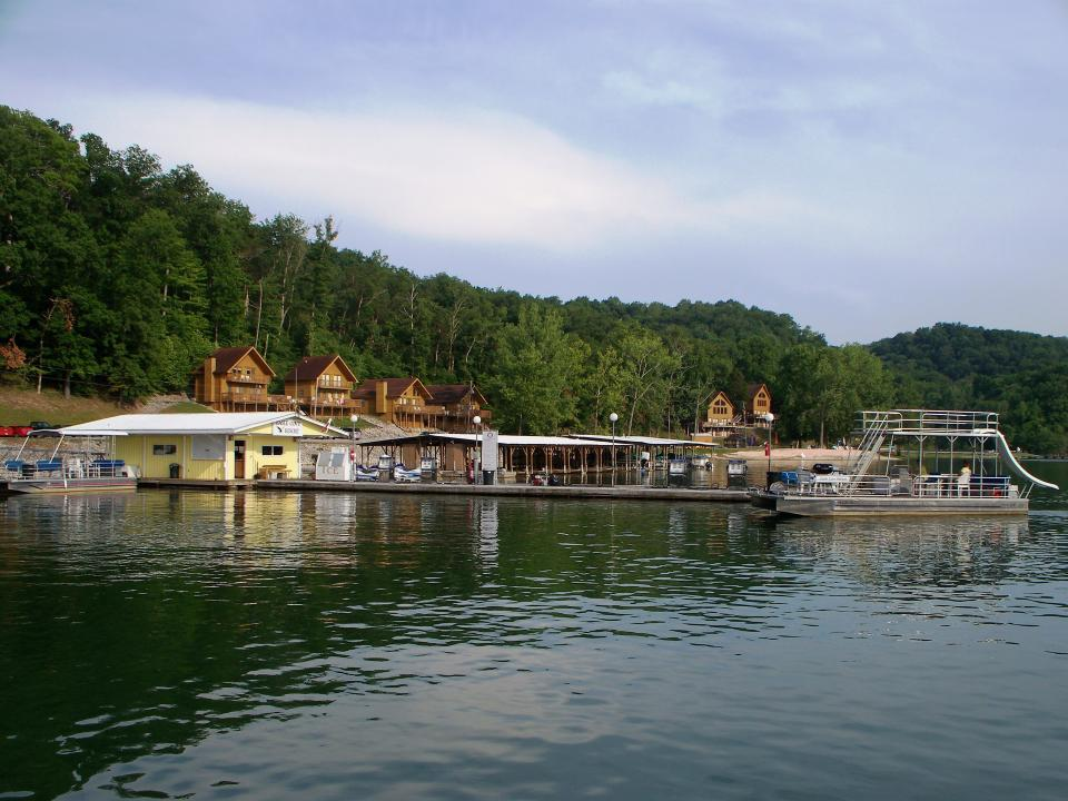 Eagle Cove Resort In Byrdstown Tn Tennessee Vacation