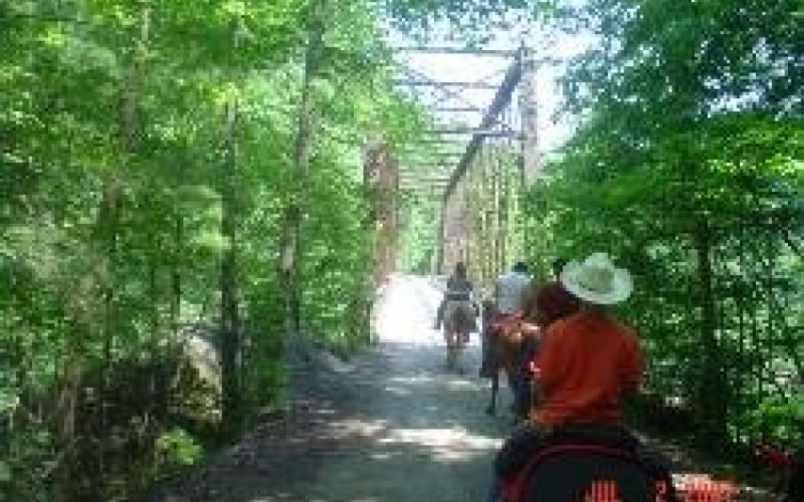 Big Valley Ford >> Big South Fork Lodge & Horse Campground in Jamestown, TN - Tennessee Vacation