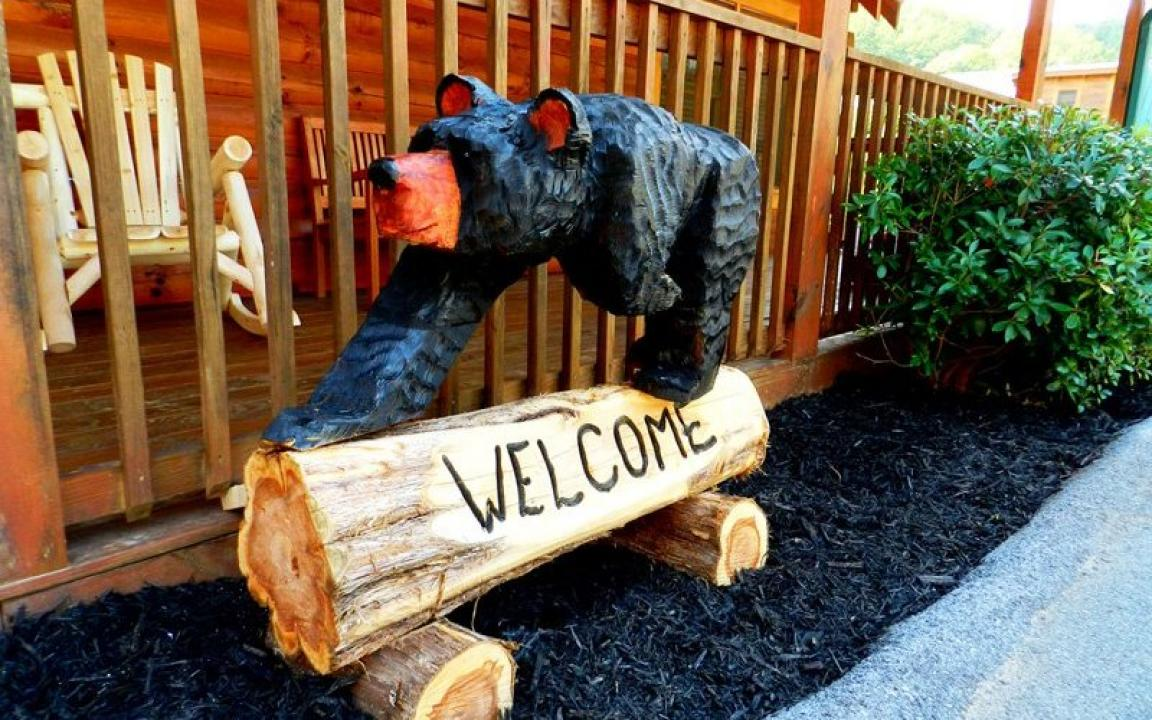 Welcome Bear at The Bigfoot Lodge