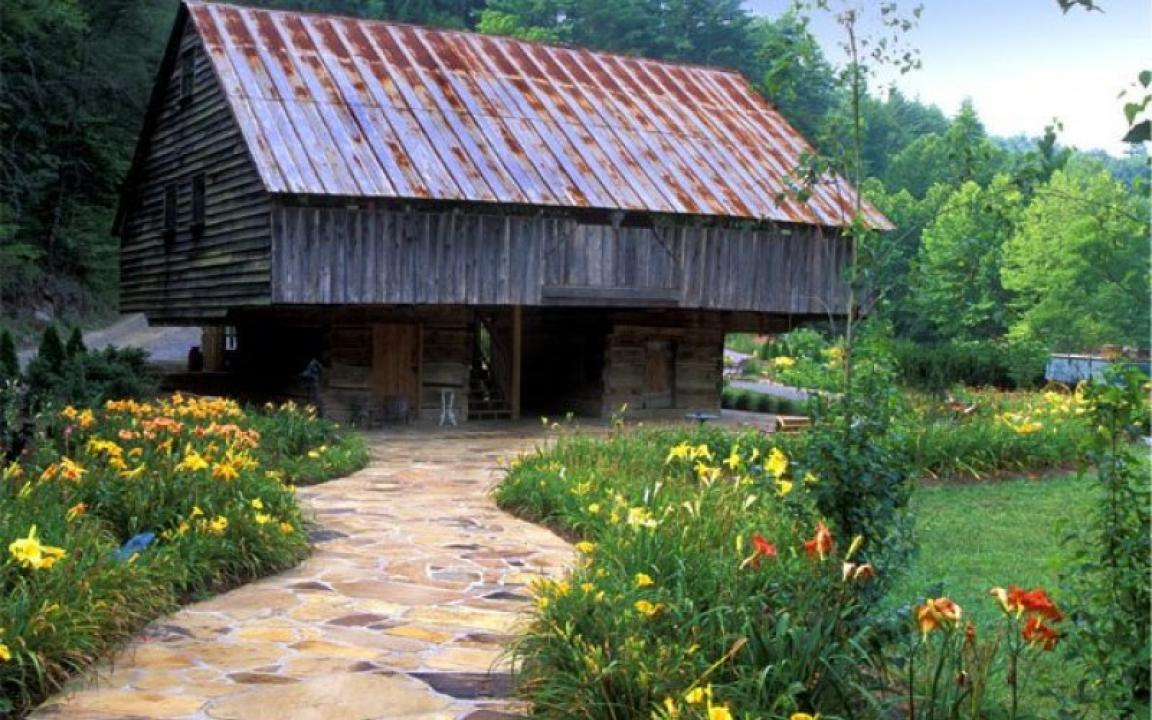 Lily Barn Weddings Amp Cabins In Townsend Tn Tennessee