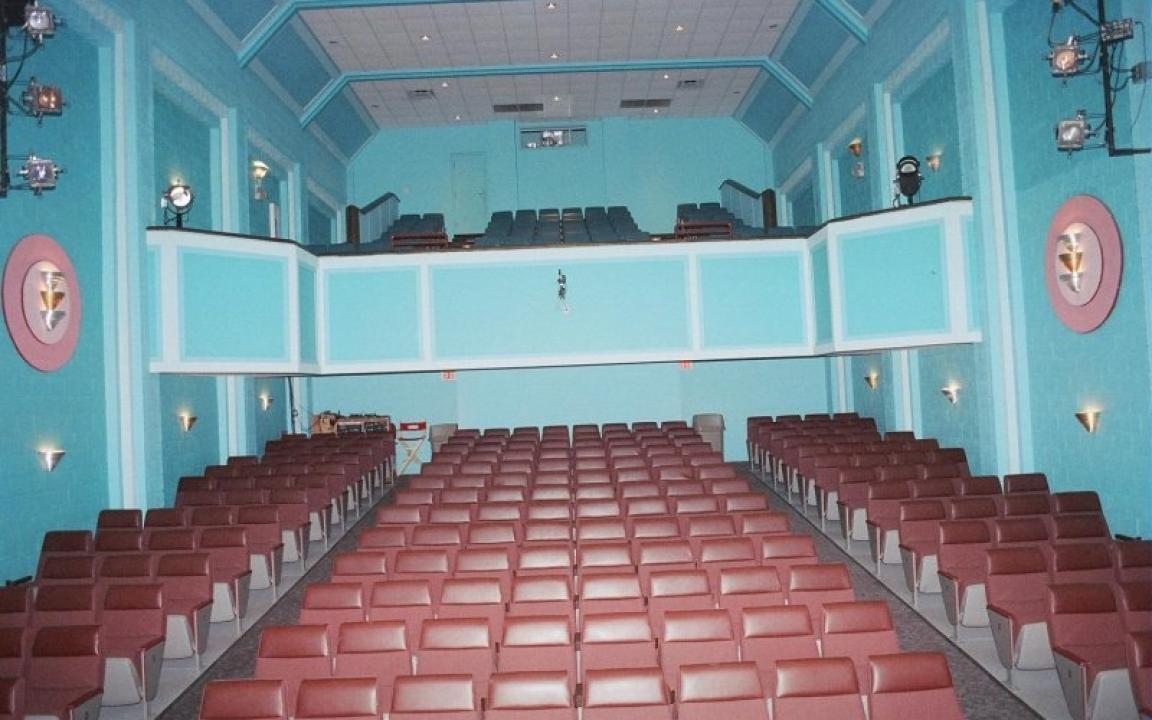 Palace Theatre in Crossville, TN - Tennessee Vacation