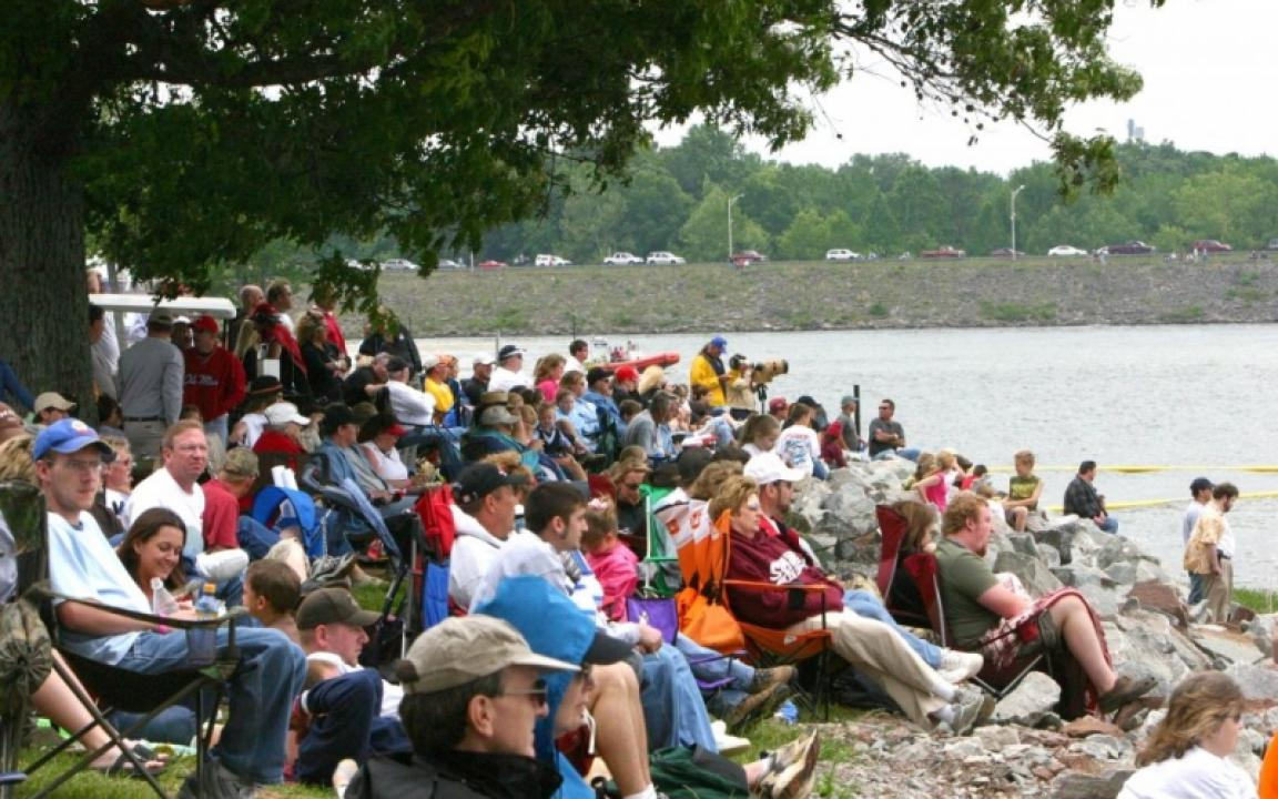 visitors watching the boat races at Pickwick Landing State Park
