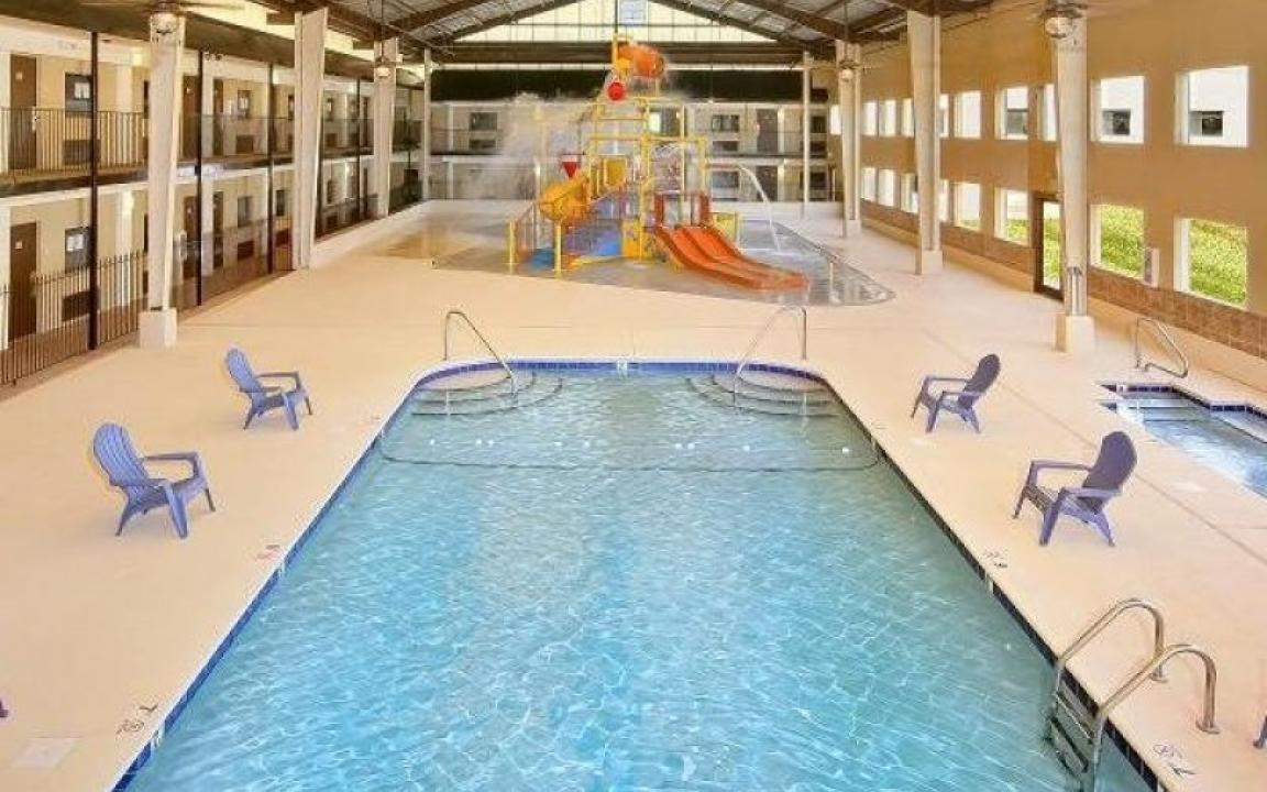 Quality Inn Suites Waterpark In Knoxville Tn Tennessee Vacation