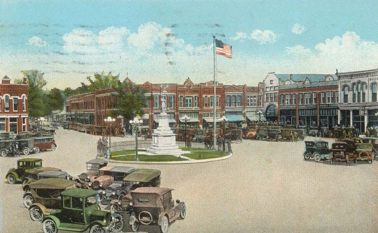 Historic Lebanon Square (Photo: Historic Lebanon)